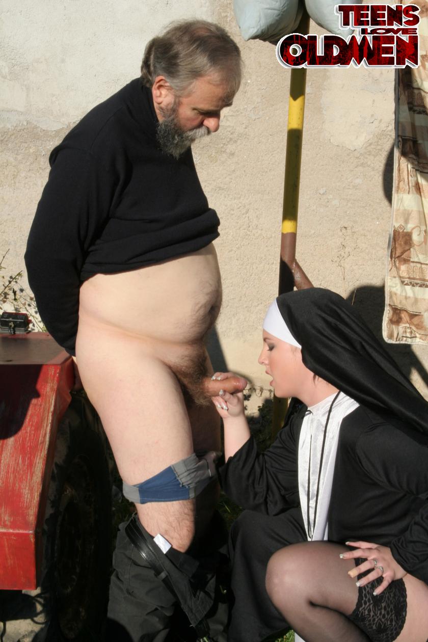 Смотреть порно священик с прихожанкой 16 фотография