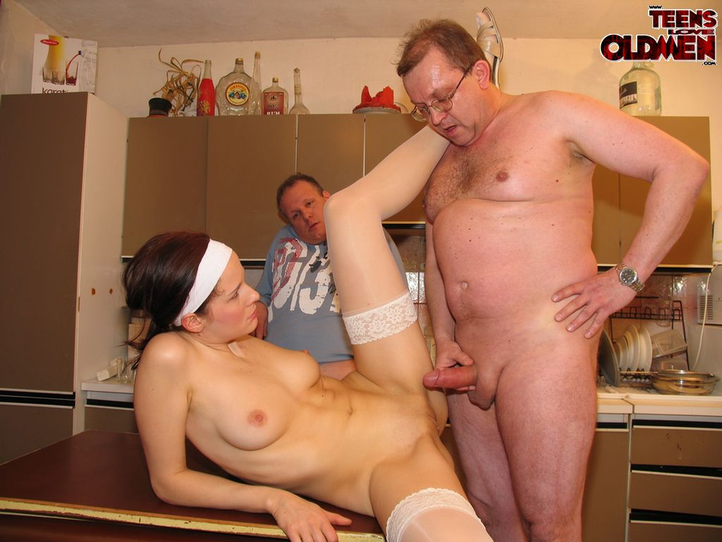 Old women younger men xxx share