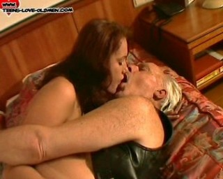 she loves to suck old dick